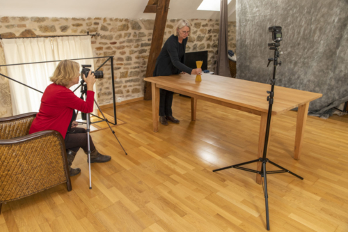 Esther Langendam as assistent photographer in Burgundy