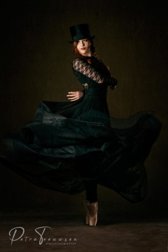 Flash Photography Dance Petra Teeuwsen